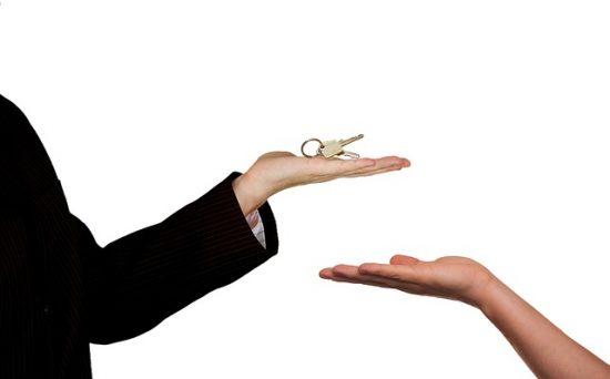 עורך דין מכירת דירה בחיפה עם ניסיון רב בליווי ועריכת עסקאות מכר